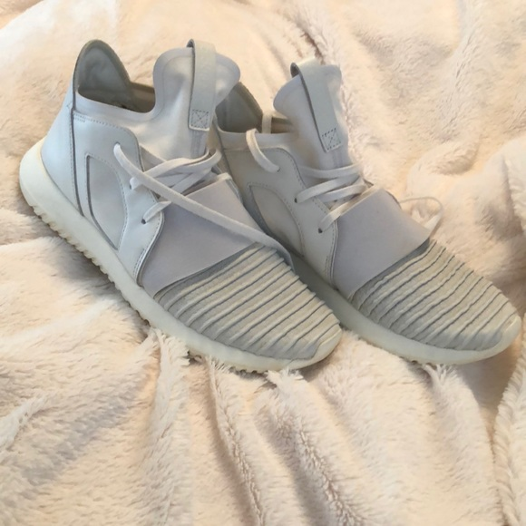 huge selection of 950e1 89871 adidas Shoes - Adidas Tubular Defiant Crystal White